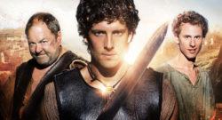 Bild: (L-R) Hercules (MARK ADDY), Jason (JACK DONNELLY) and Pythagoras (ROBERT EMMS)