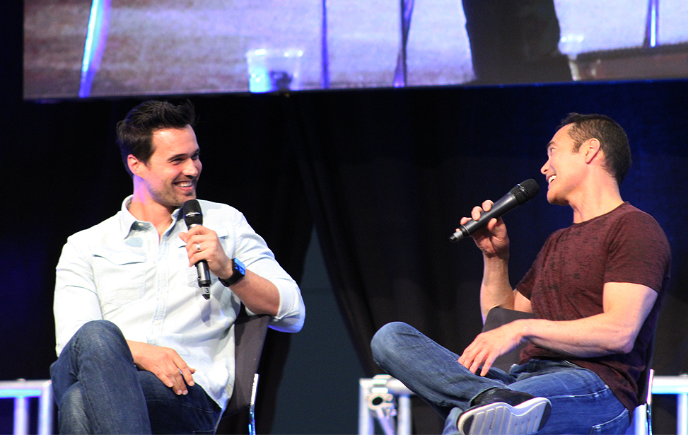 Brett Dalton (Marvel's Agents of S.H.I.E.L.D.) und Mark Dacascos (Marvel's Agents of S.H.I.E.L.D. / Hawaii Five-0 / The Crow / Stargate: Atlantis) im Panel / Comic Con Germany 2016 Stuttgart