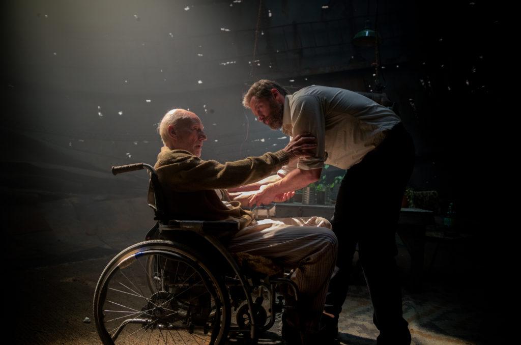 Logan - The Wolverine - Szenenbild - Hugh Jackman & Patrick Stewart