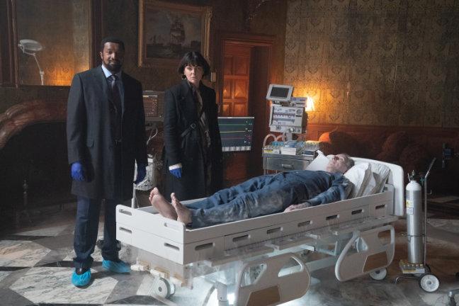 Coroner Staffel 3 - Teaser - Roger Cross - Serinda Swan