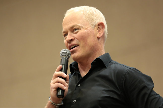Neal McDonough - Arrow - The Flash - Legends of Tomorrow - The 100 - Altered Carbon